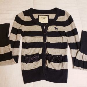 XS Abercrombie and Fitch cardigan